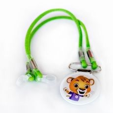 Kid's clip for hearing aids and cochlear implants